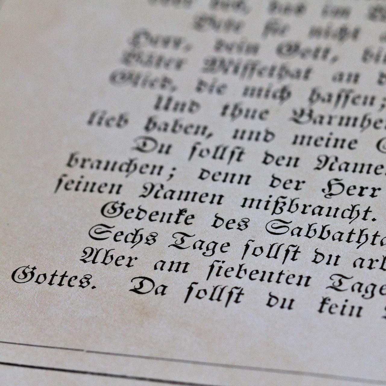 10 Commandments (© Matthias Mueller / churchphoto.de)
